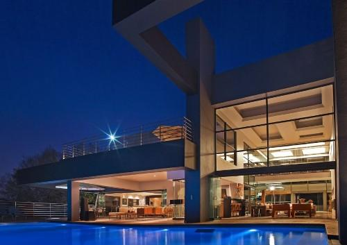 Дом с бассейном в Йоханнесбурге