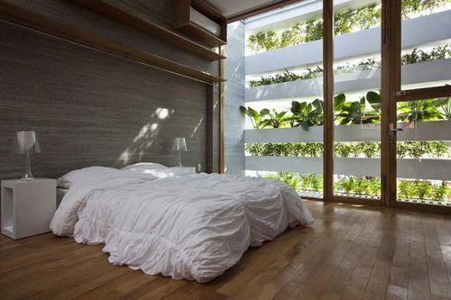 Дом с фасадом из растений