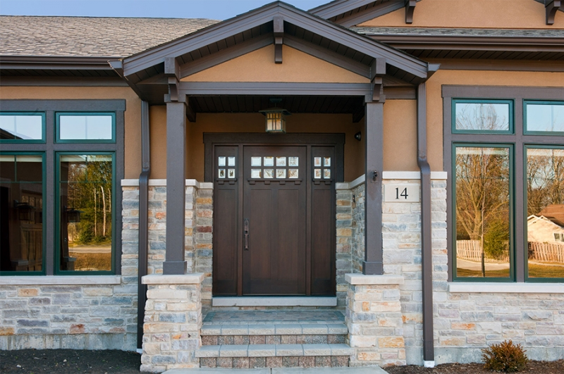 Как правильно выбрать входную дверь для частного загородного дома