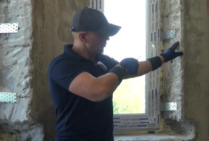 Монтаж пластикового окна в проём из пеноблоков