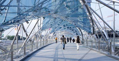 Пешеходный мост Helix в Сингапуре