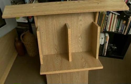 Журнальный столик из старого шкафа