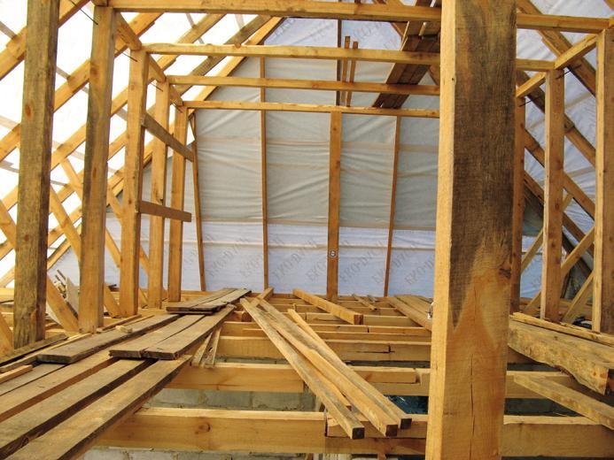 Прежде кладки материала должна быть выполнена теплоизоляция крыши