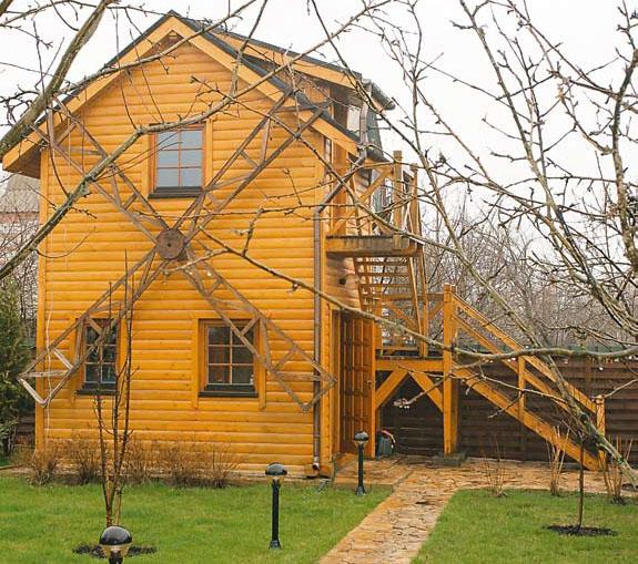 Деревянный дом (Фото: Елена Галич)