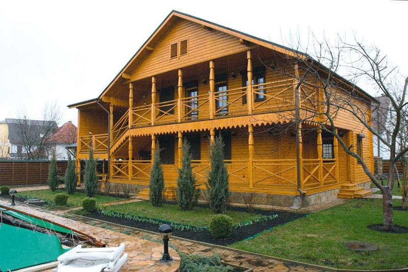 Готовый деревянный дом (Фото: Елена Галич)