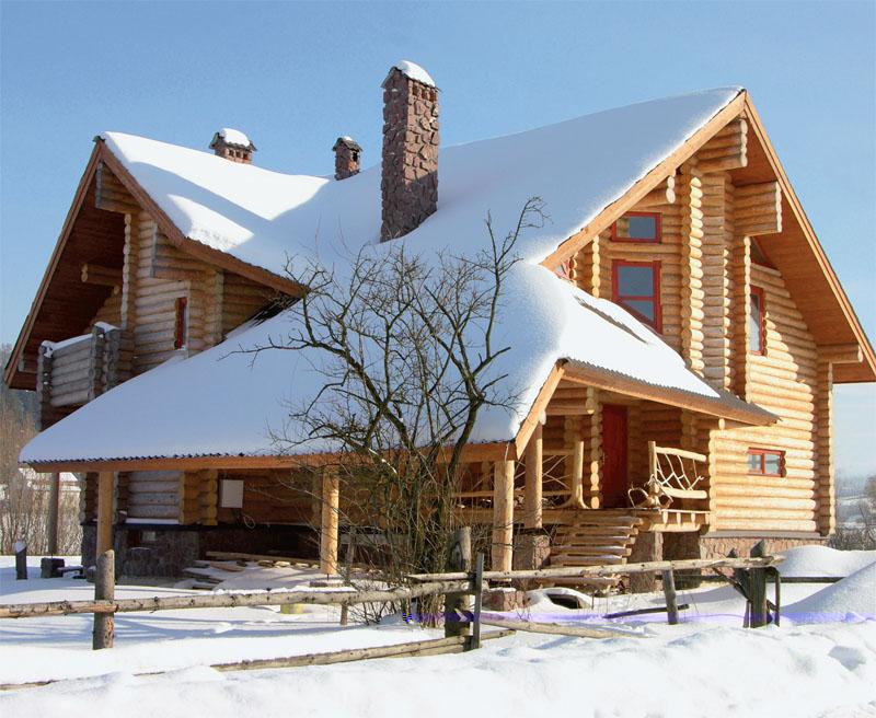 Деревянный сруб (Фото: Елена Галич, Денис Огоноченко)