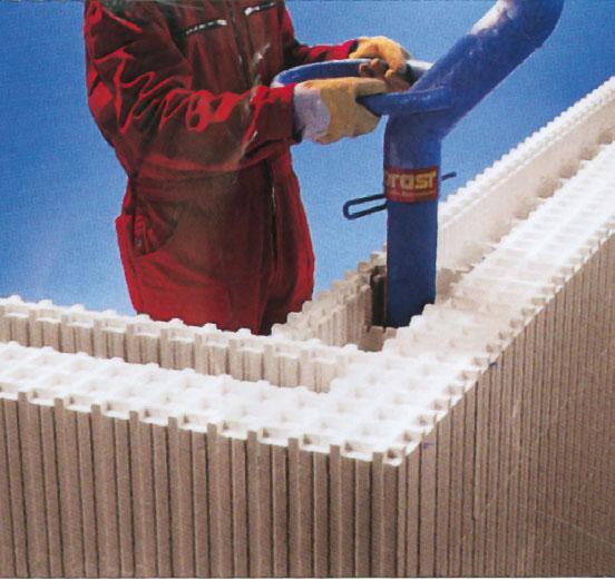 12. Заливка из гибкого патрубка Isorast товарным бетоном или бетонной смесью из силоса