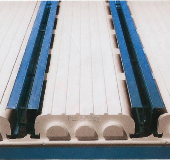 13. Перекрытие: установить легкие балки Isorast и элементы перекрытия и залить бетоном