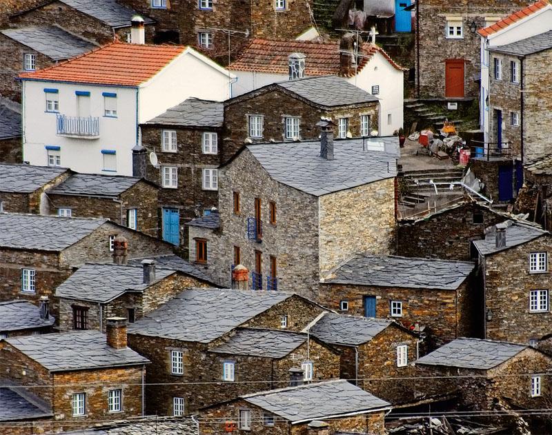 Пиодао — старинное горное селение в центральной части Португалии, построенное из сланца