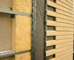 Утепление стен по технологии навесного вентилируемого фасада (Фото: ООО СЕН-ГОБЕН СТРОИТЕЛЬНАЯ ПРОДУКЦИЯ УКРАИНА)