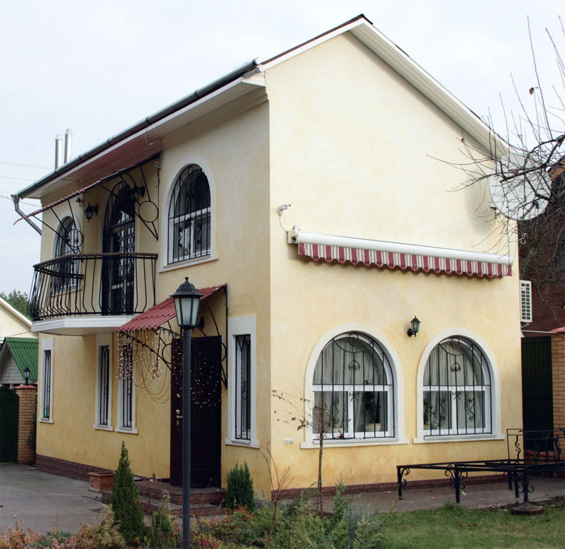 Фасад дома (Фото: Елена Галич)