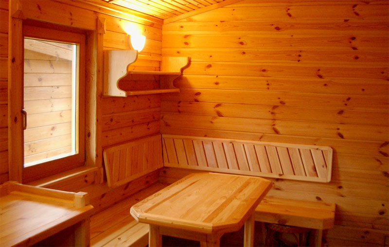 В помещении для отдыха весь интерьер — тоже из дерева. (Фото: АГРУС)