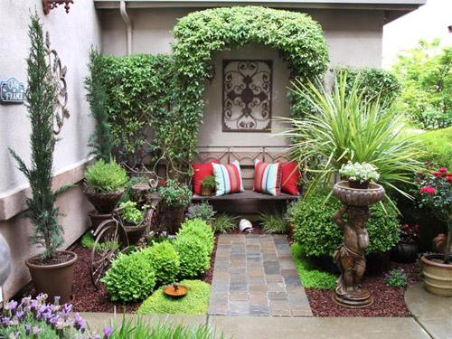 Уютный внутренний дворик