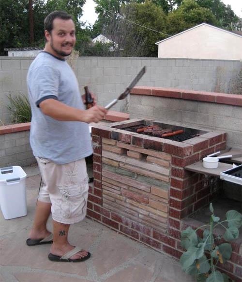 Как сделать печь для барбекю из кирпича своими руками