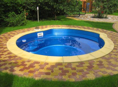 Выбираем бассейн для загородного участка