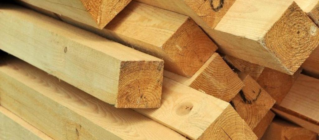 Дерево широко применяется во всех видах строительства