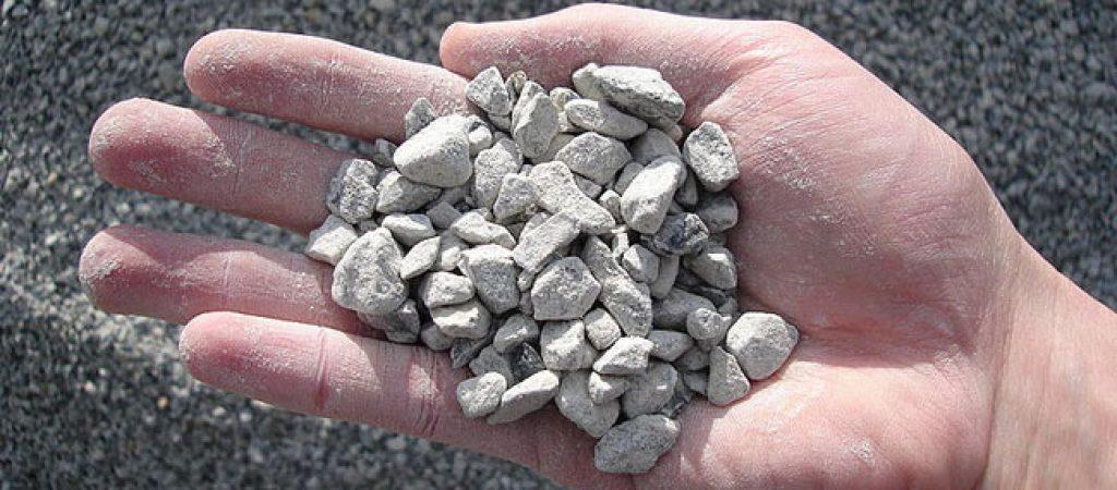 Покупка щебня и строительного песка с доставкой