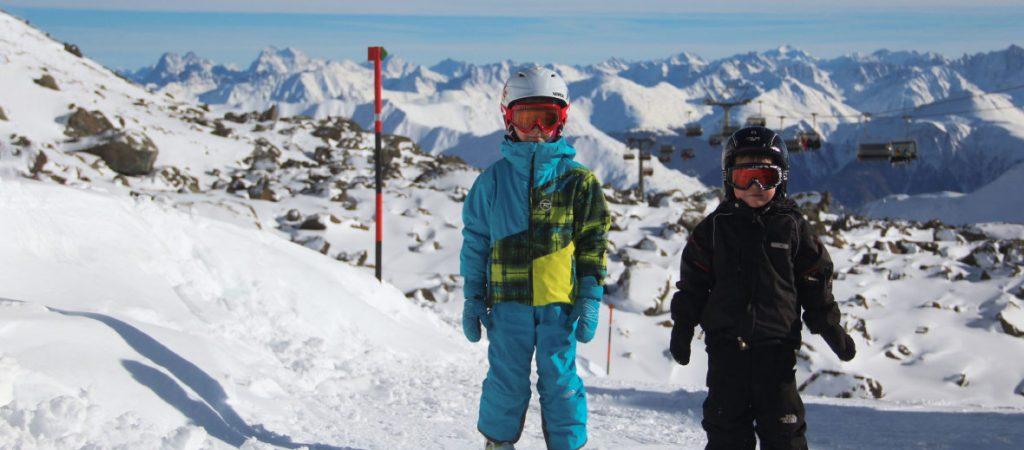 Зимняя одежда для маленького лыжника